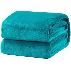 King Size Teal Lightweight Super Soft Cozy Bed